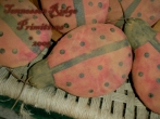 Primitive Grungy Dirty ladybug Ornies E-pattern