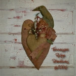 Primitive Dirty Grungy Heart With Crow & Rose Door Hanger E-pattern