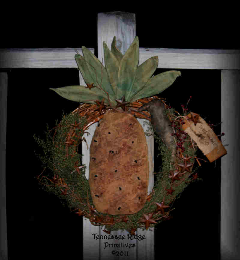 Primitive Grungy Dirty Pineapple & Crow Wreath 2011 Epattern